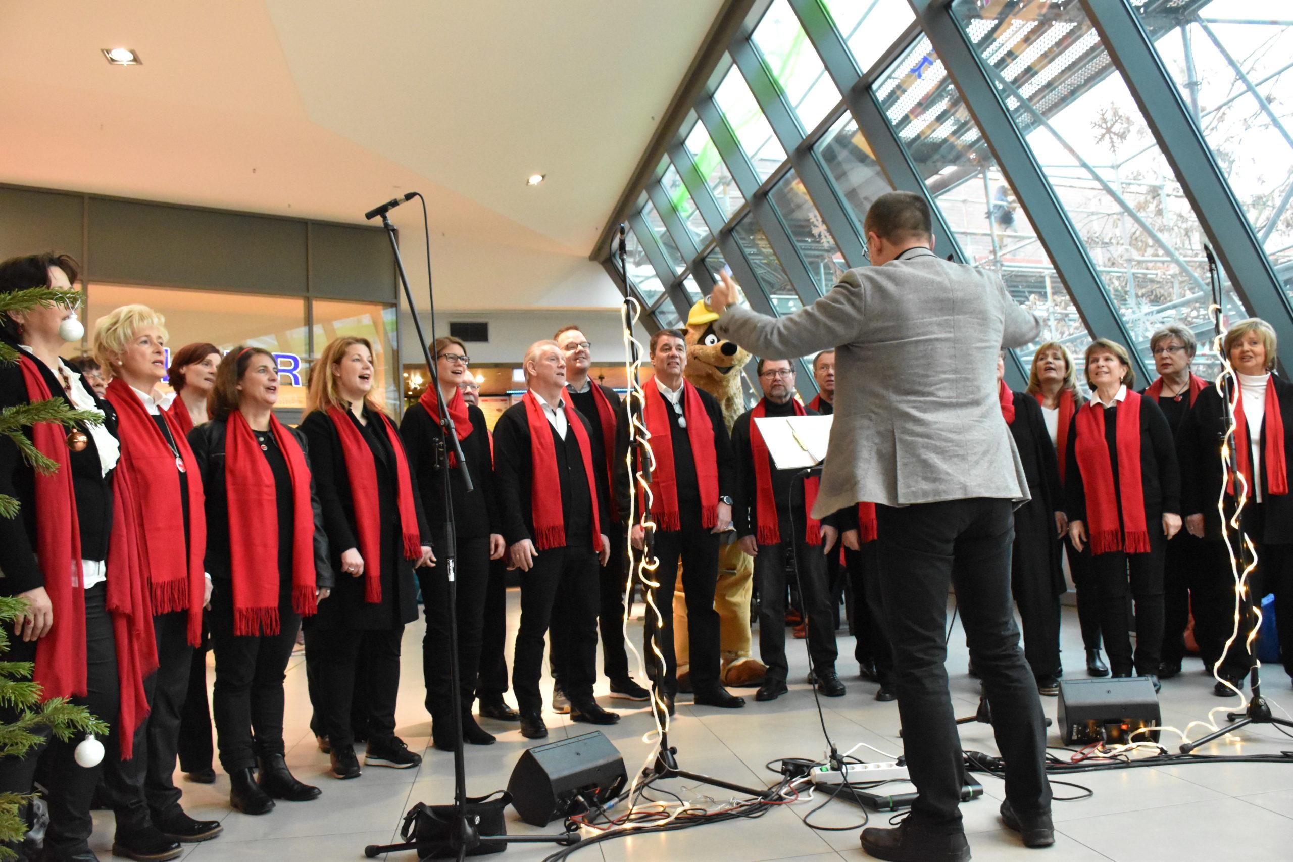 Die Florian Singers beim Weihnachtskonzert in Kamp-Lintfort. Bild: Imma Schmidt