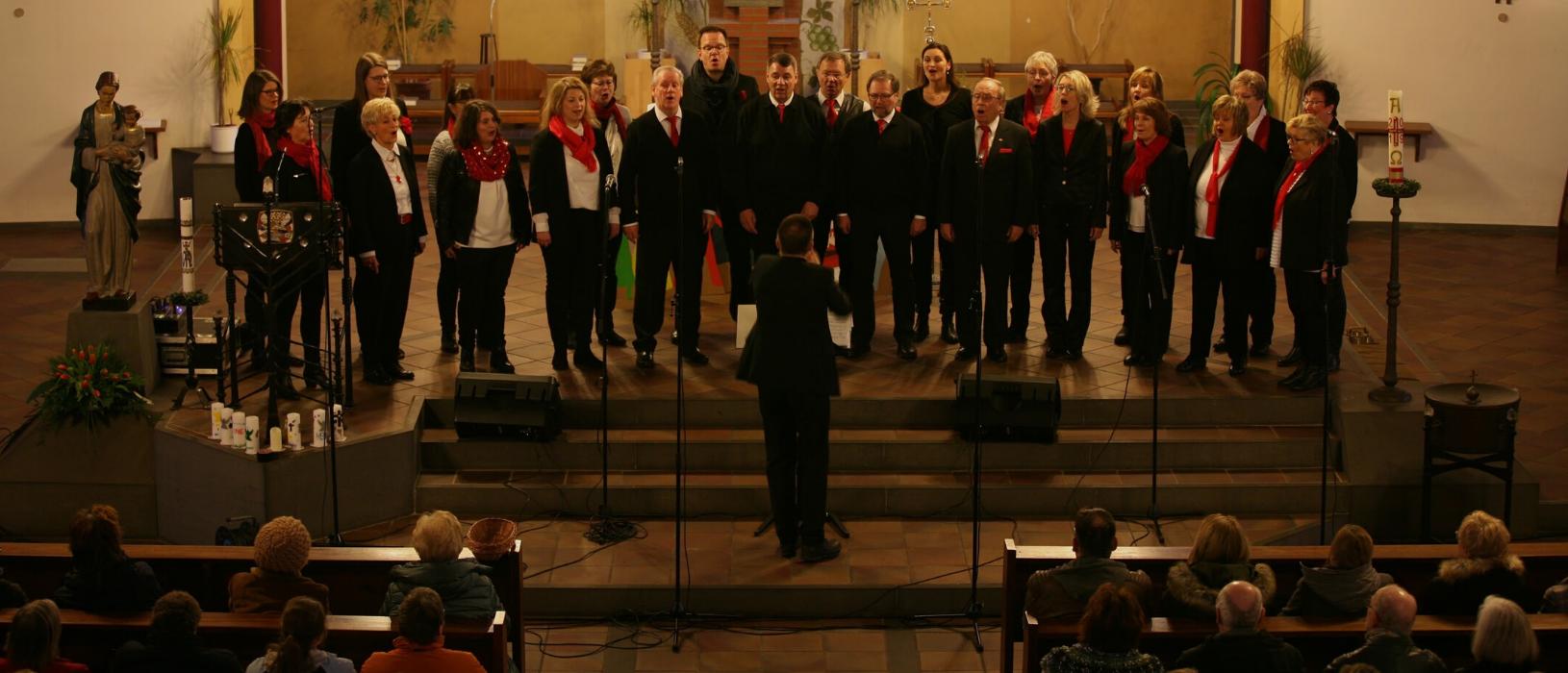 Die Florian Singers bei ihrem Auftritt in der St. Marienkirche in Dortmund-Eving.