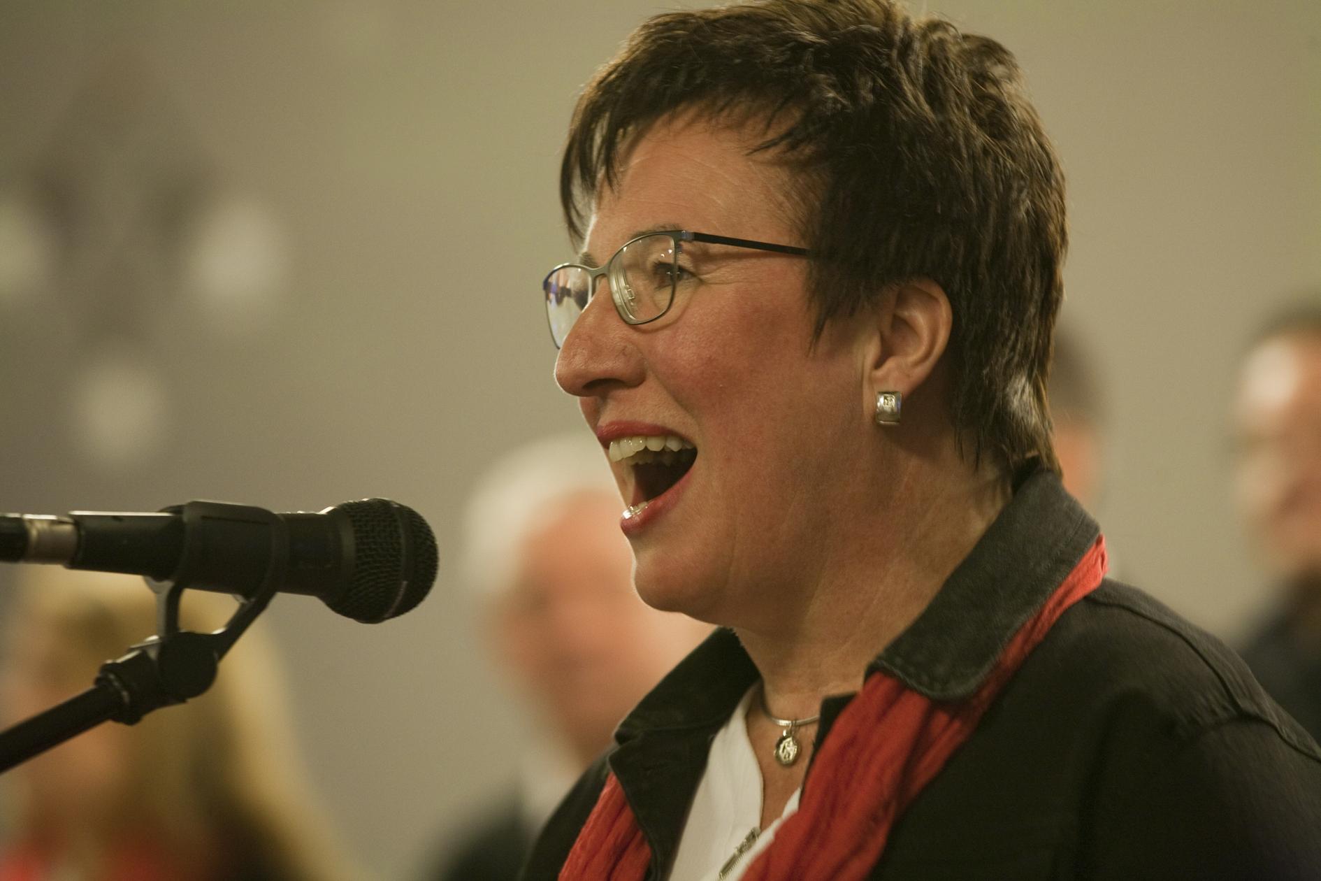 Monika Philippi bei einem Solo, Konzert: Gospel & more, 16.02.20 / Foto: Michael Wiczoreck